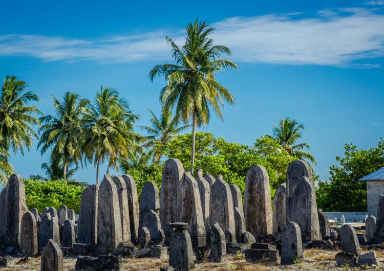 Fuvahmulah Cemetery in Meedhoo